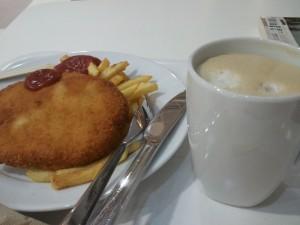 IKEA 晚餐 - 炸雞胸併薯條