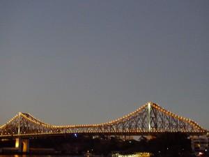 Story Bridge 封路