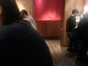 一蘭拉麵店內